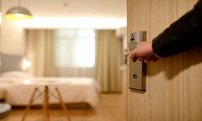 Czy wnętrze hotelowe może gościć konferencje biznesowe?